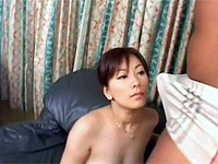 Cute honey gets her cootchie packed with beef whistle on the couch