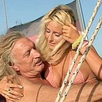 Light-haired bombshell heads down and gets her vagina nailed on a boat